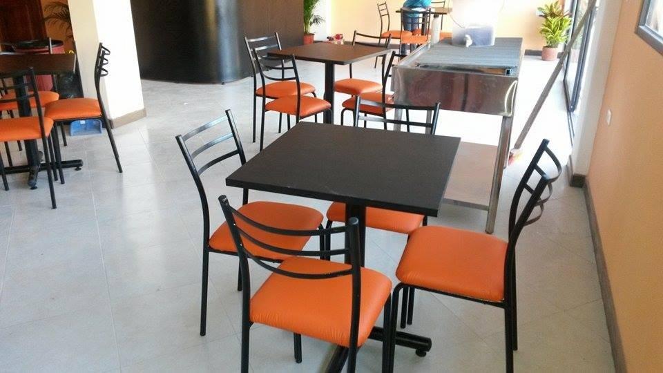 Mesas Para Restaurant Sillas De Comedor Muebles De Oficina  U$S 140