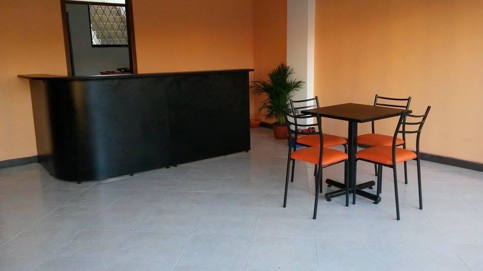 Sillas De Comedor Muebles De Oficina  U$S 140,00 en Mercado Libr